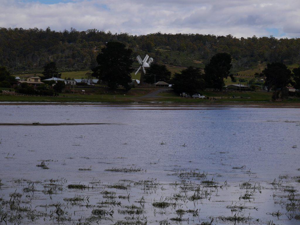 Le lac d'Oatlands et son moulin