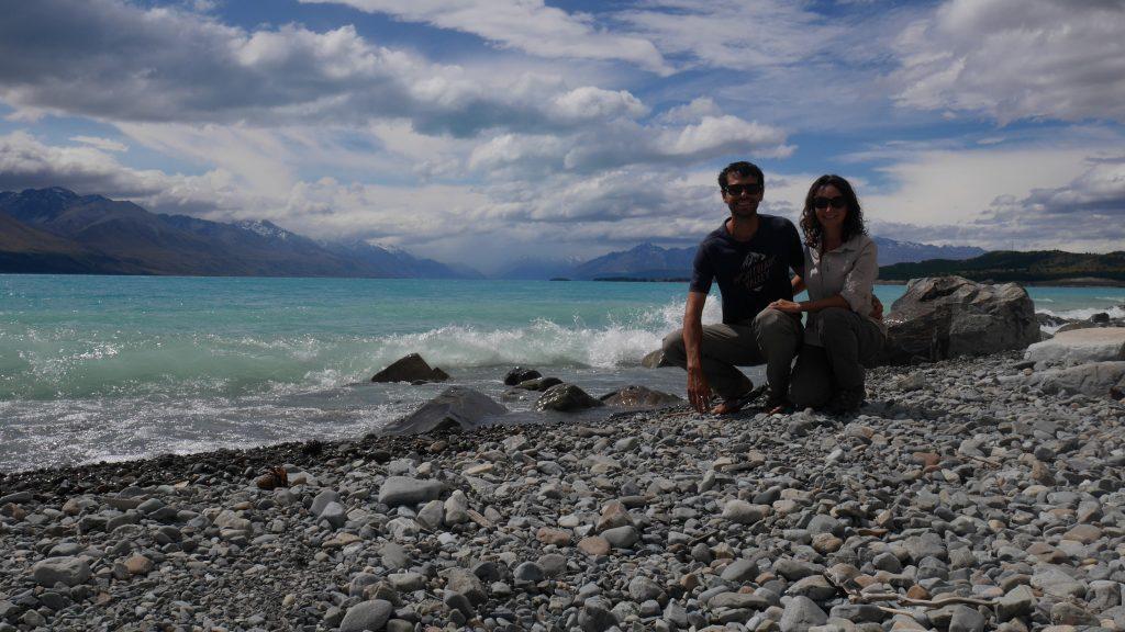 Devant le lac Pukaki
