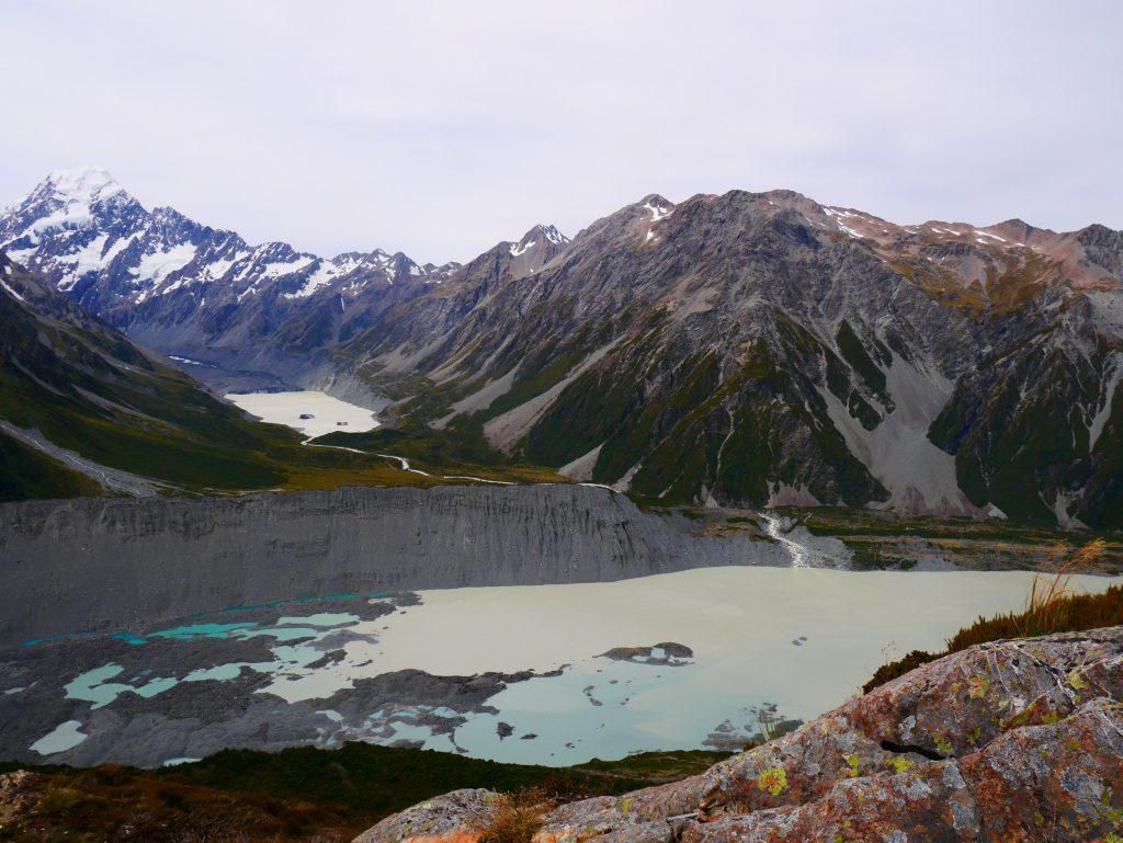 Vue sur les lacs au pied du Mt Cook