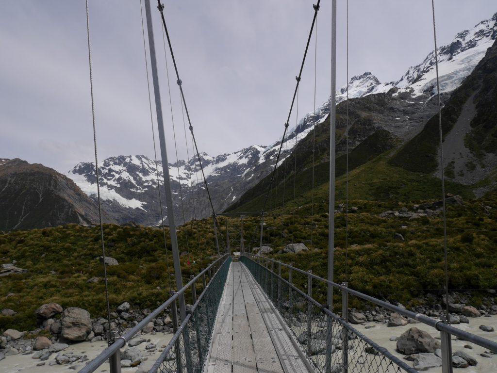 Une autre vue de pont suspendu