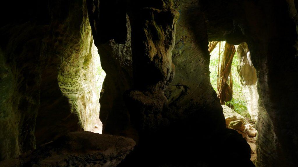 La petite grotte de Koumac