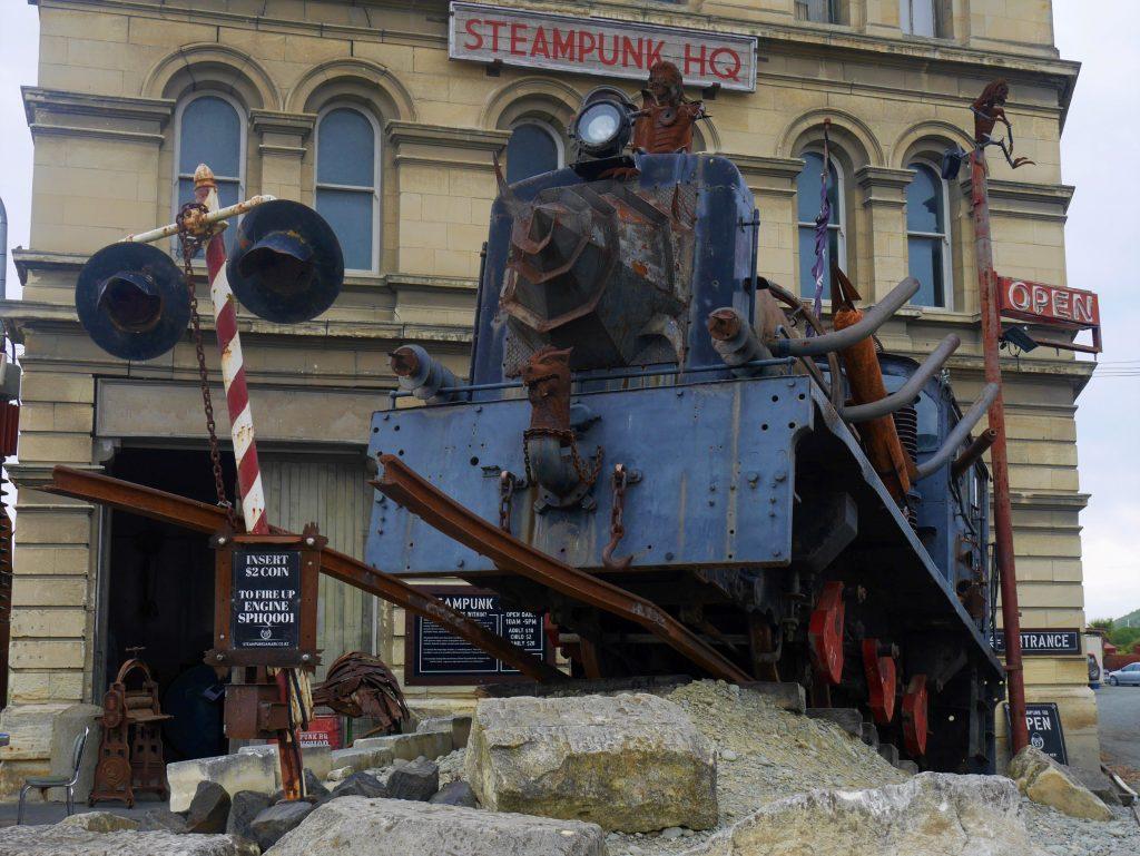 Zoom sur le train steampunk