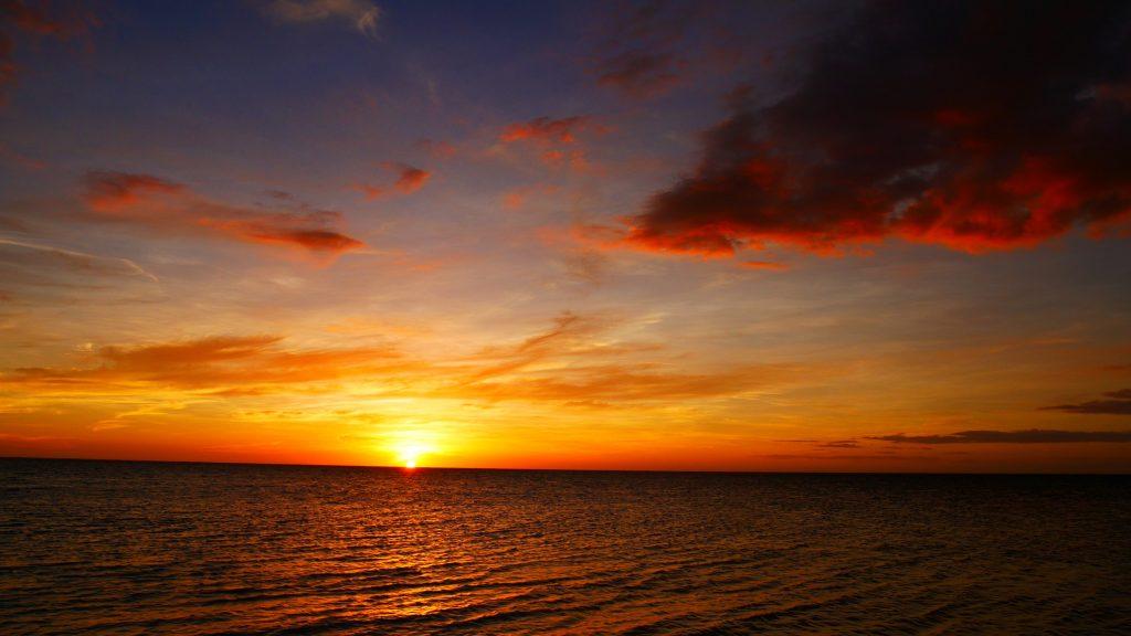 tenia-j1-coucher-soleil