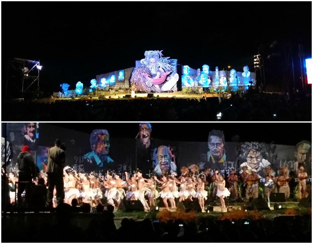 La scène du festival et les danseurs