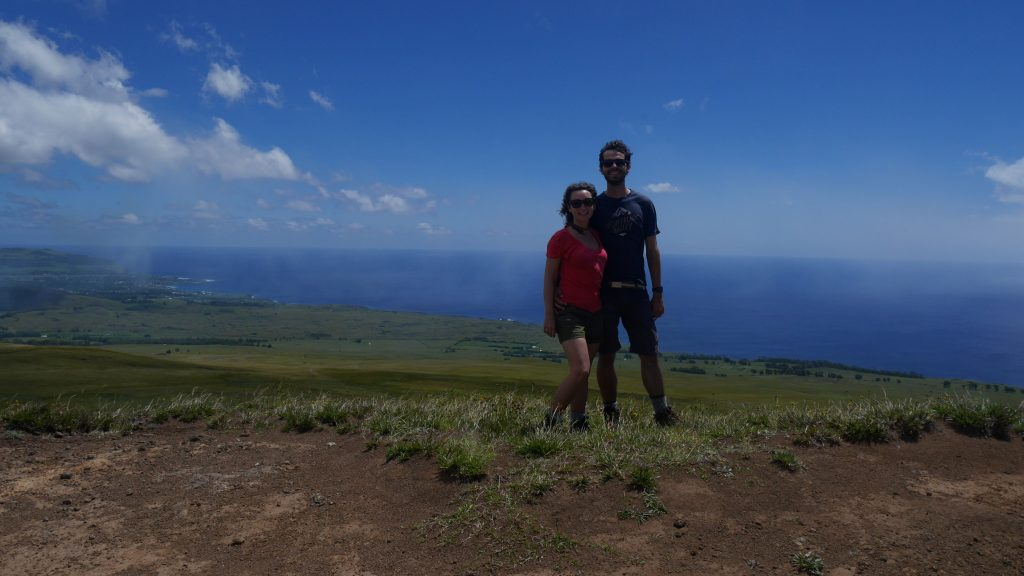 Au sommet de Rano Aroi