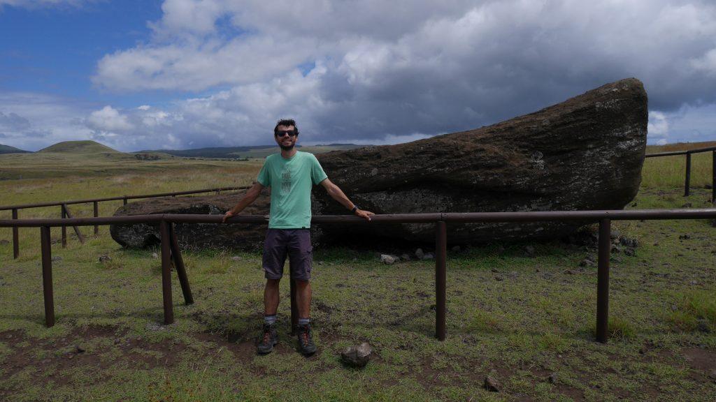 Un autre Moai couché