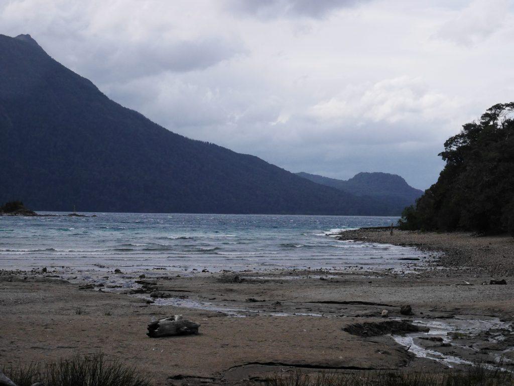 Une plage sur le lac de Llao llao