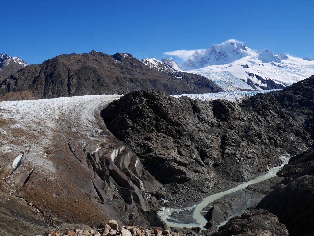 Le glacier, bien épais