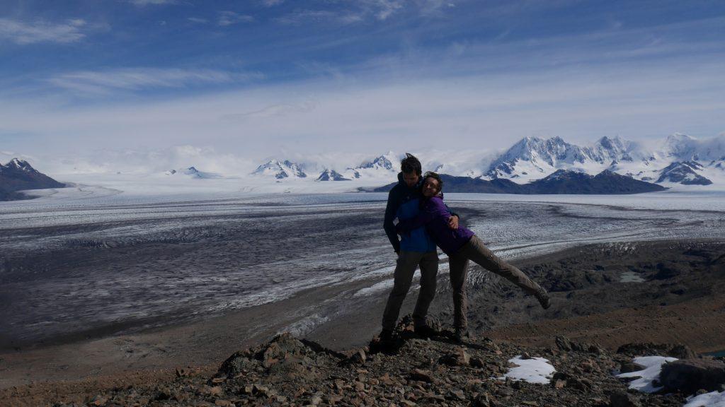 Devant le champ de glace sud de Patagonie