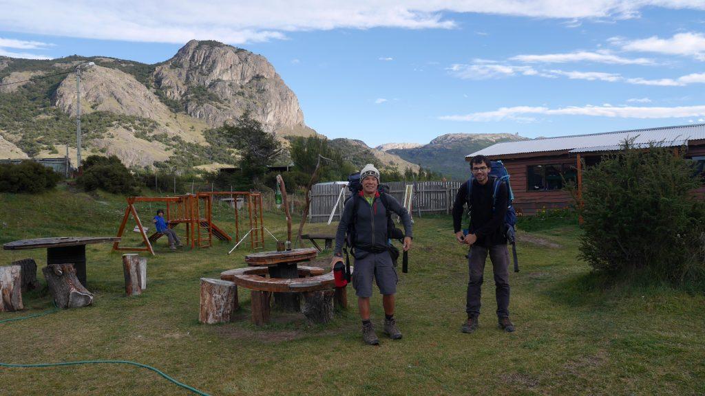 Oli et Thomas prêts pour deux jours de rando