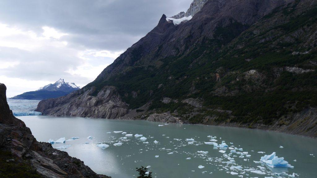 Glacier et miettes d'Iceberg
