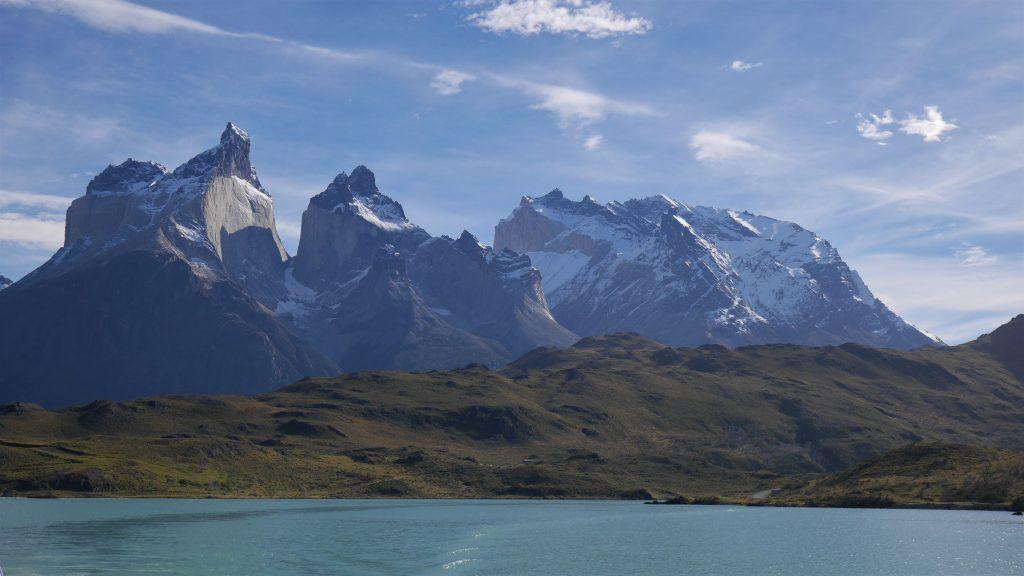 Les montagnes, vues du bateau