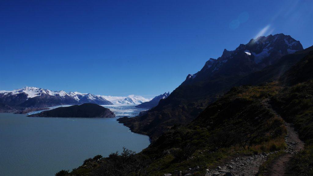 Le glacier au loin