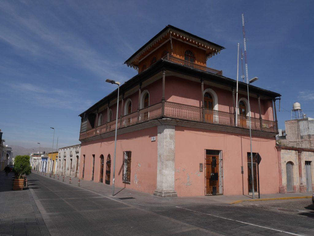 Une des maisons bien conservées