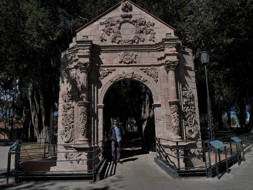Portail du XVIIIè au parc Monticulo à Sopocachi