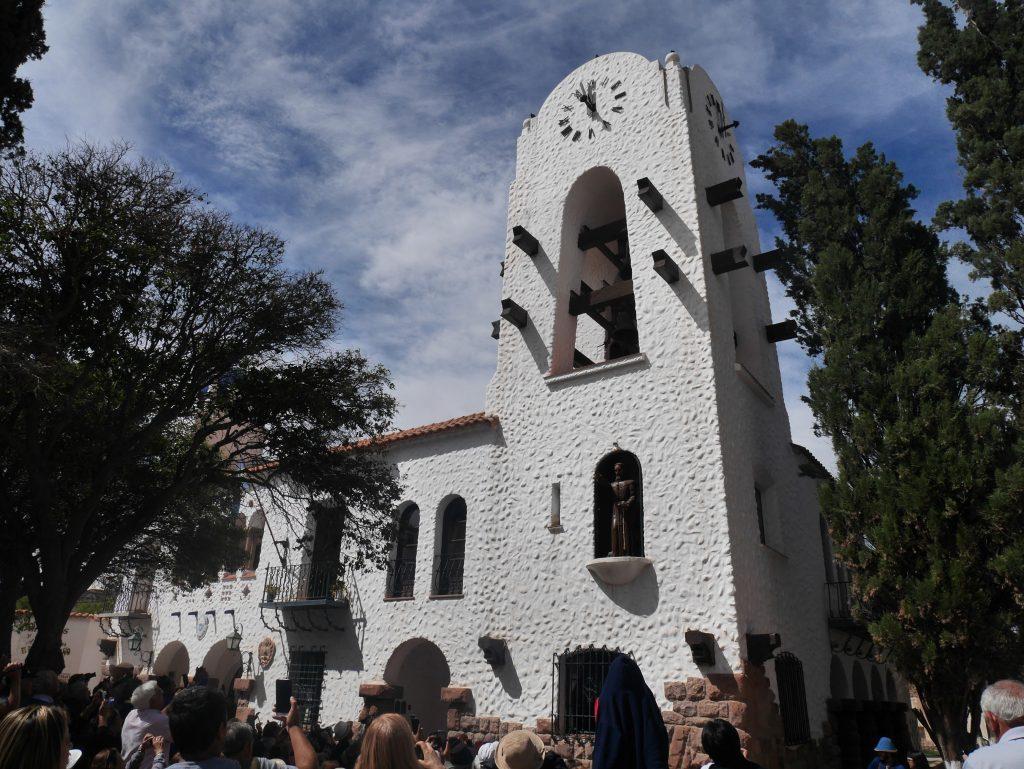La tour et son saint en son sein