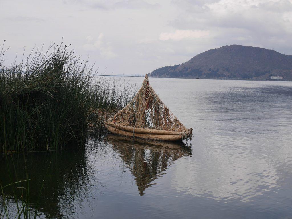 Une embarcation un peu petite pour la traversée