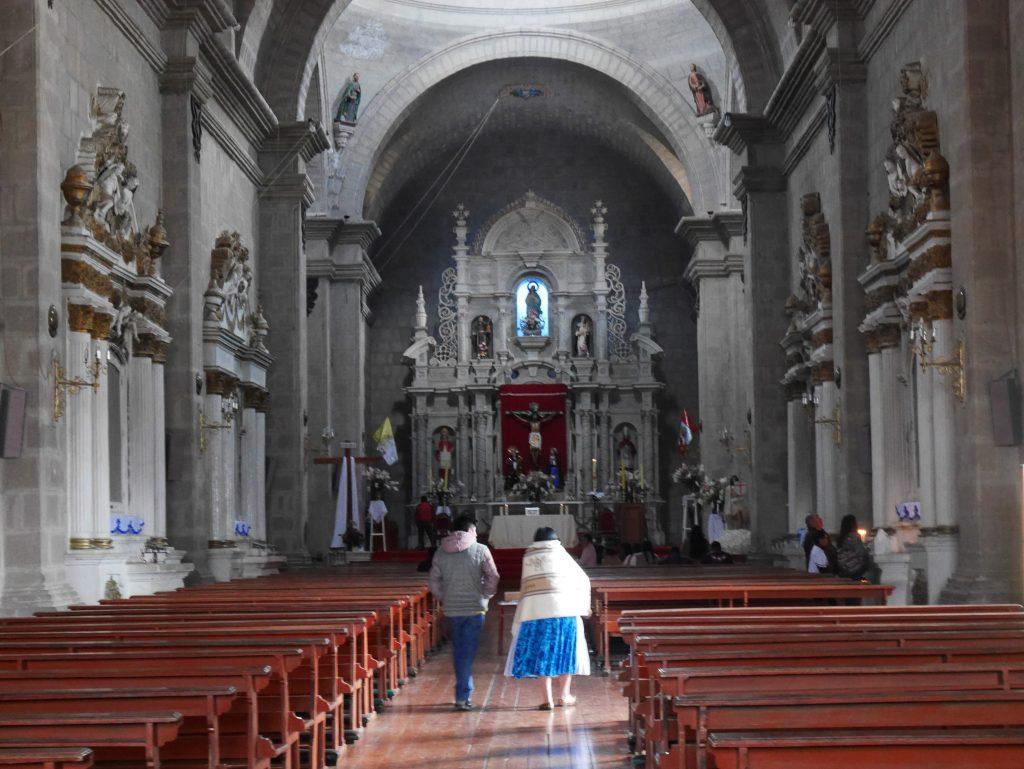 A l'intérieur de la cathédrale de Puno
