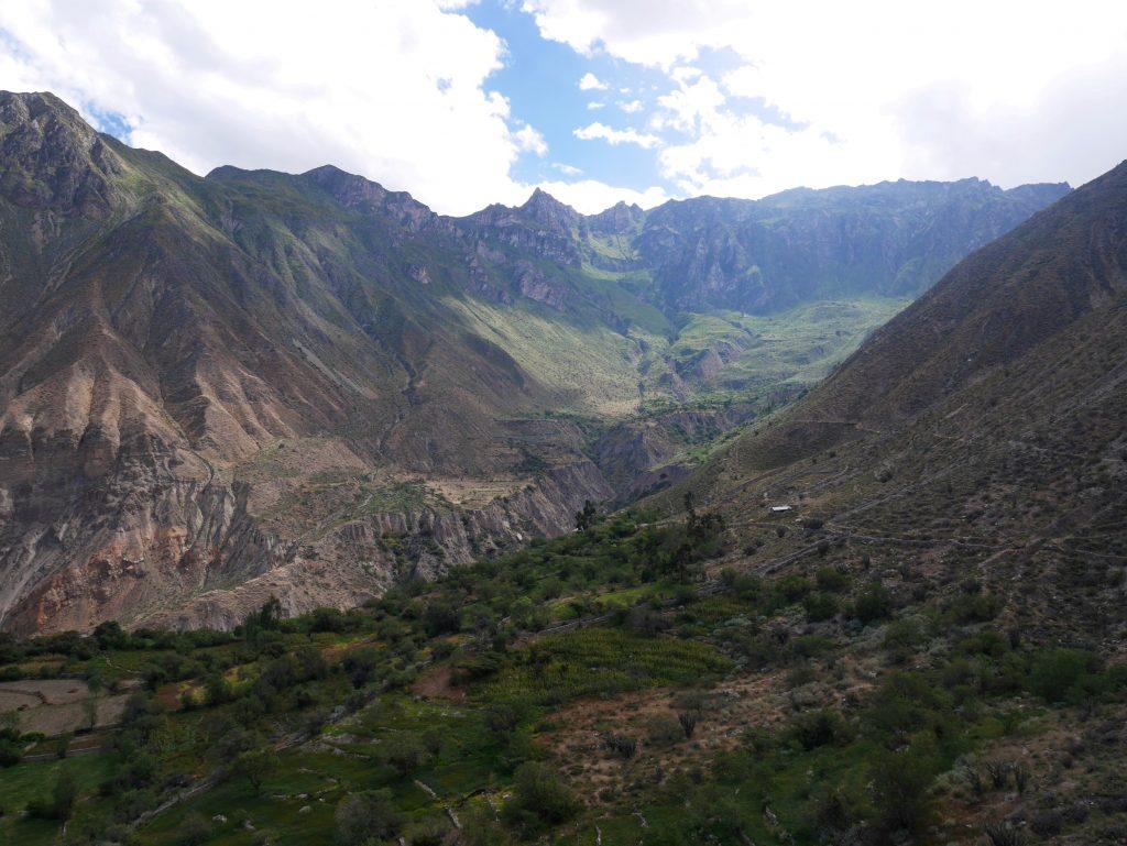 Dernier regard sur Picha et sa vallée verdoyante