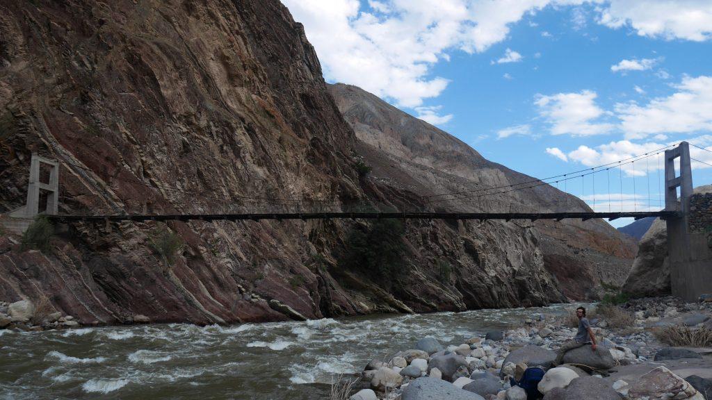 Le pont piéton pour rejoindre Quechualla