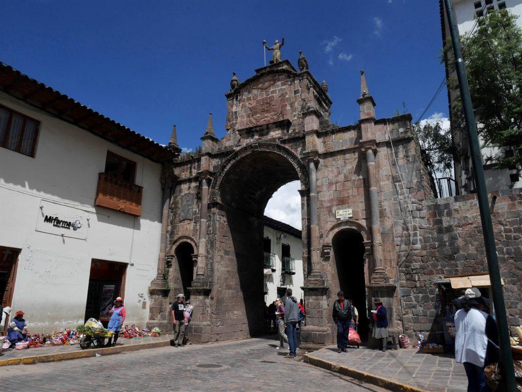 La porte qui mène au marché San Pedro