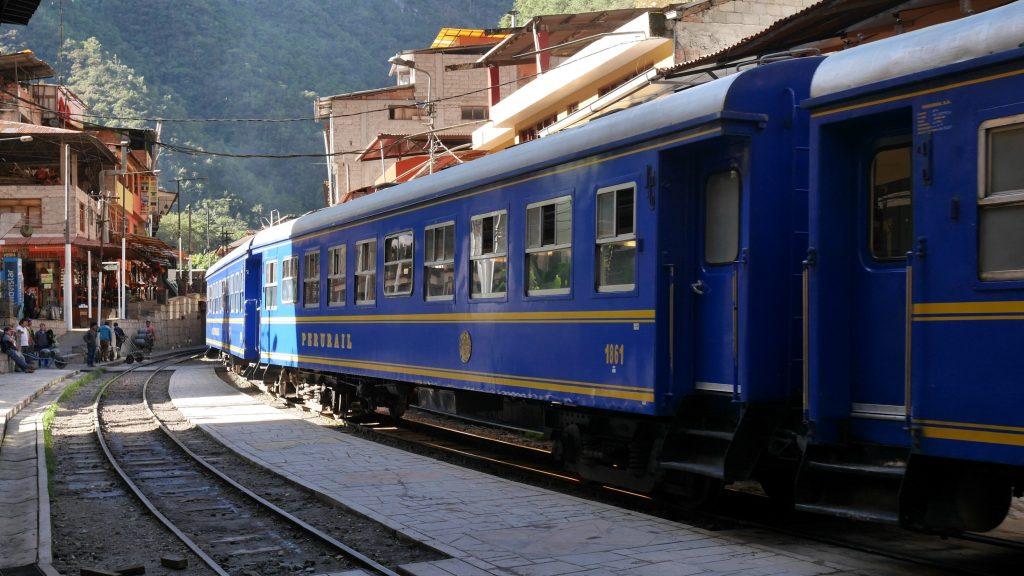 Le train entre en gare