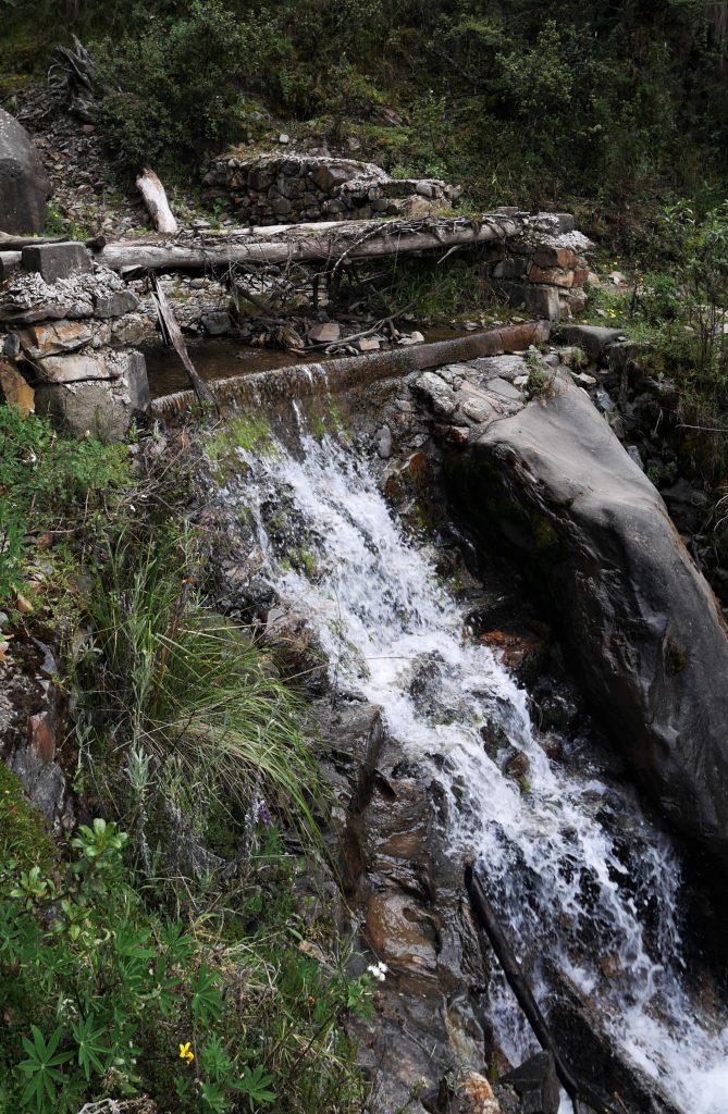 Le petit pont de bois qui ne tenait plus guère...